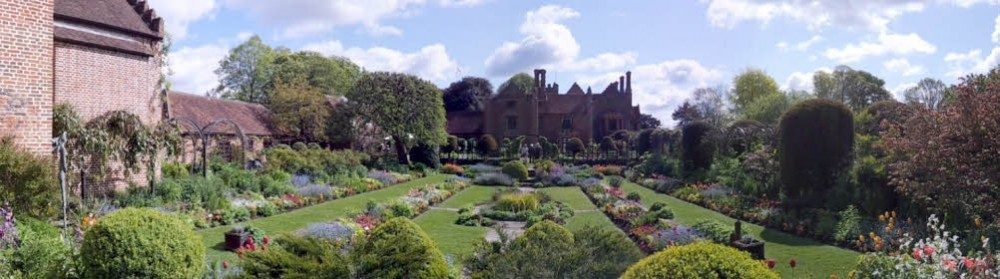 Chenies Manor 01