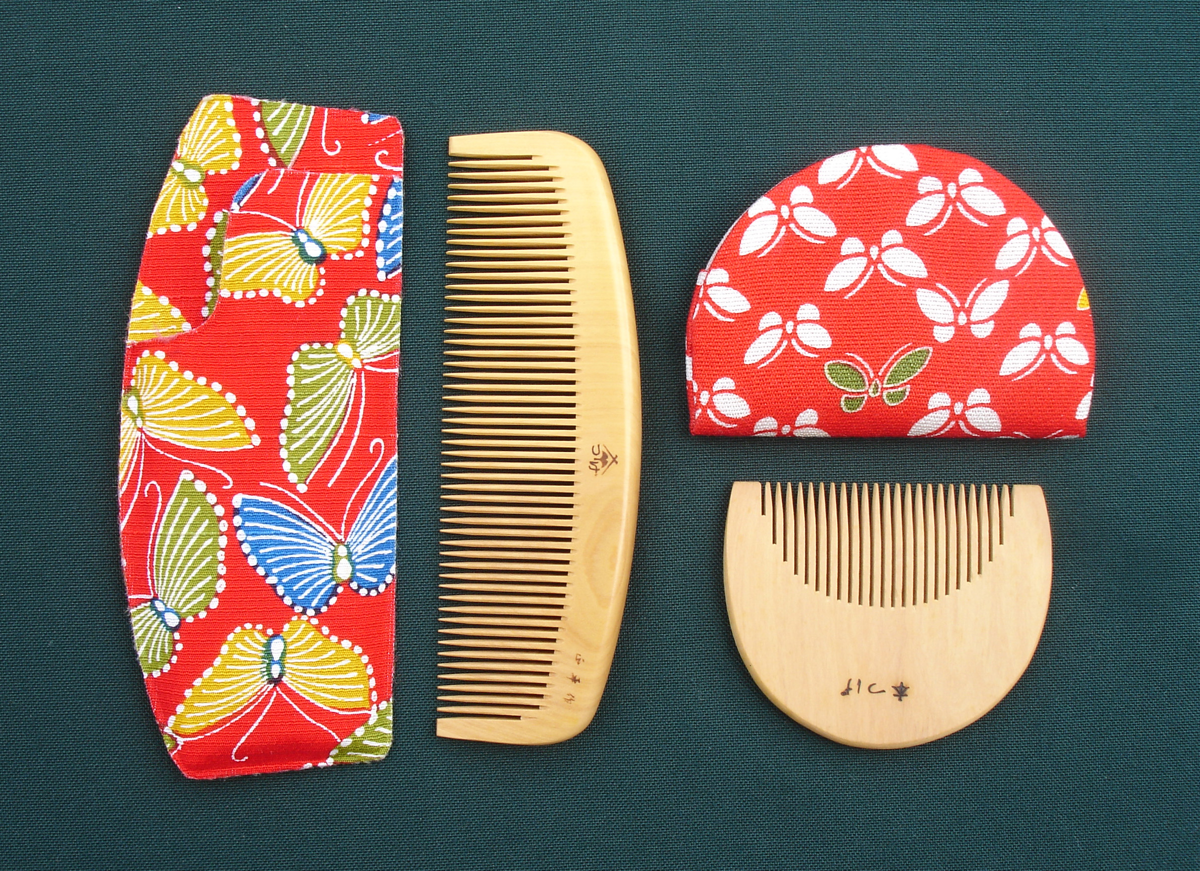 Japanese ceremonial bridal combs (Photo: C. Watts)