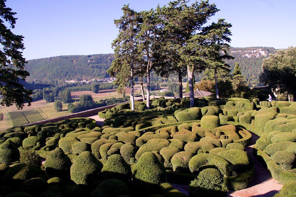 Les Jardins de Marqueyssac by Roger Last