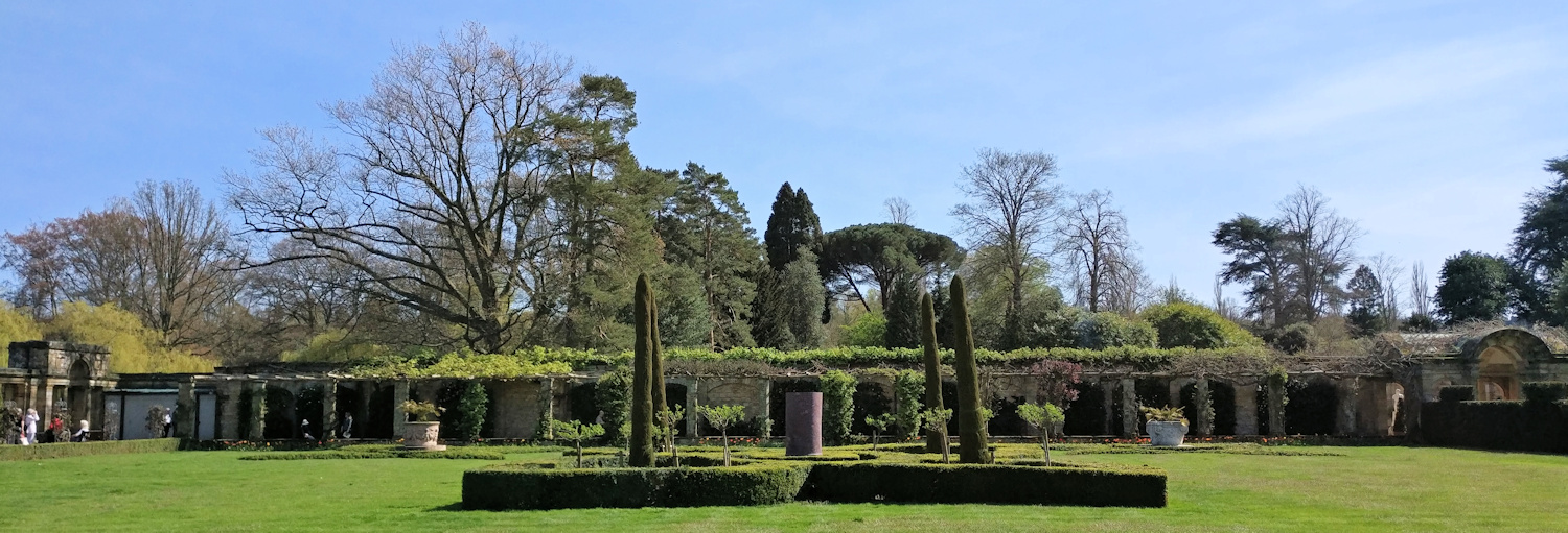 Part of the Italianate garden at Hever Castle