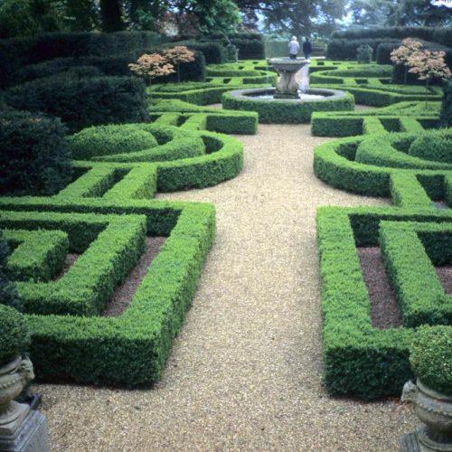 Ascott Garden - Wing near Leighton Buzzard Buckinghamshire - 4