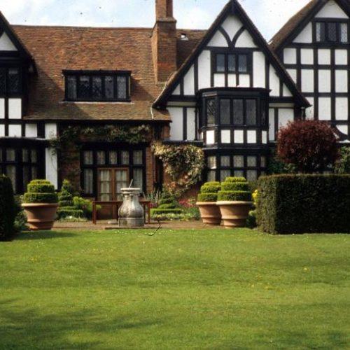 Ascott Garden - Wing near Leighton Buzzard Buckinghamshire - 5