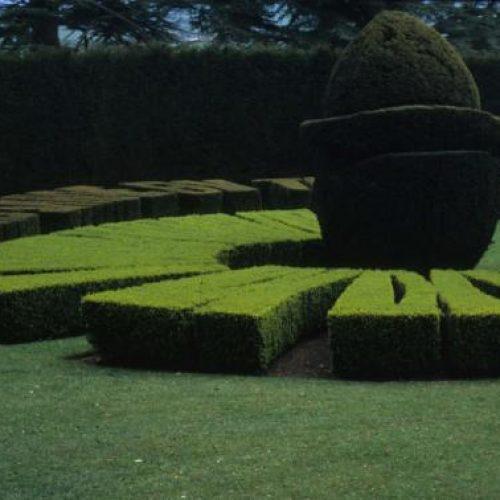 Ascott Garden - Wing near Leighton Buzzard Buckinghamshire - Sundial 1