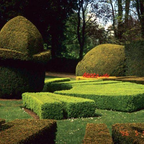 Ascott Garden - Wing near Leighton Buzzard Buckinghamshire - Sundial 3