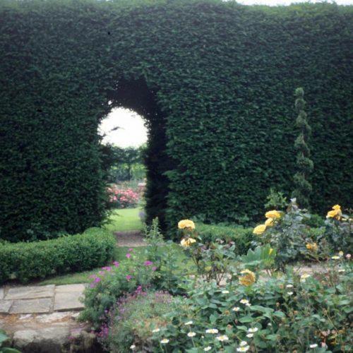 Bodie Private Sussex, England, garden 3