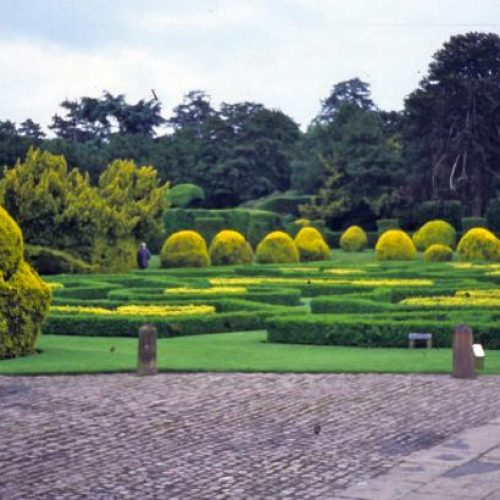Renishaw Hall - Italianate gardens Family home of the Sitwells for 400 years in Derbyshire England - 2