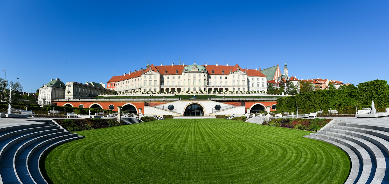 The Royal Castle and the `Upper Garden perched over the Kubicki Arcades by Marcin Kmiecinski