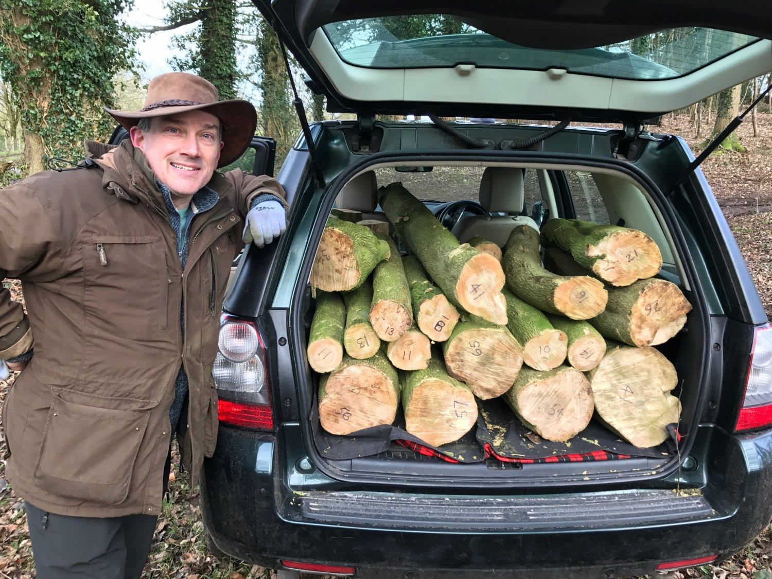 Huw with car load of boxwood