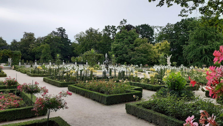 Neo-renaissance flower garden